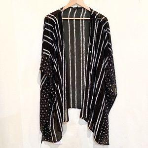 Lane Bryant Flowy Boho Black White Printed Kimono